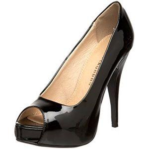 Black patent leather peep toe pump